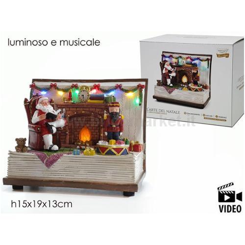 SCENARIO DI BABBO NATALE CON CAMINETTO CON MOVIMENTO LUMINOSO/MUSICALE
